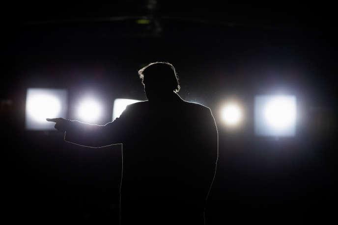 Donald Trump à la fin d'un meeting de campagne à Murphysboro, dans l'Illinois, le 27 octobre.