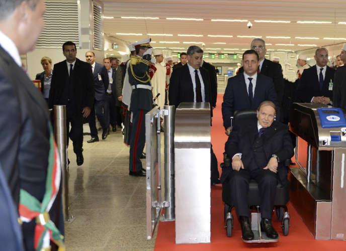 Le président Abdelaziz Bouteflikale 9 avril 2018, lors de l'inauguration du métro d'Alger et d'une mosquée.
