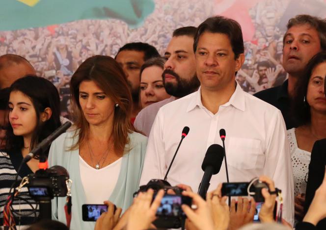 Fernando Haddad, candidat du Parti des travailleurs, lors d'une conférence de presse, à Sao Paulo, le 28 octobre.