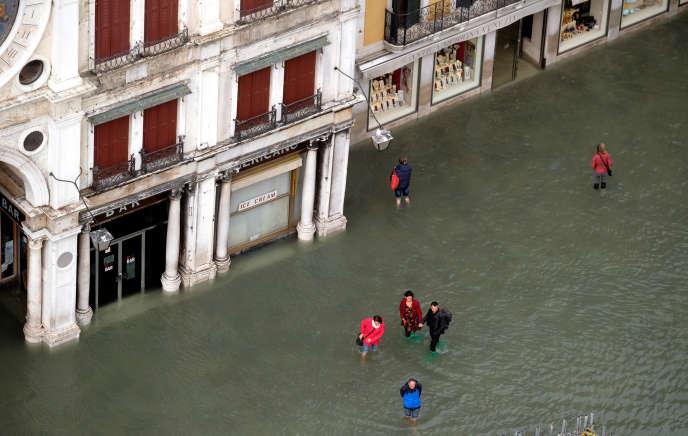 A Venise, des inondations destructrices, au-delà du folklore