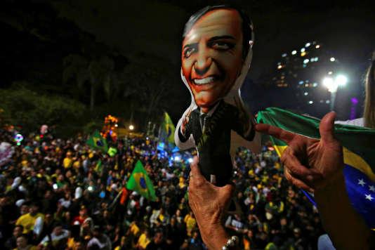Des supporteurs de Jair Bolsonaro à Sao Paulo (Brésil), le 28 octobre.