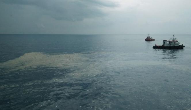 Une nappe d'huile à l'endroit où l'avion de la compagnie Lion Air se serait abîmé, au large de l'île de Java, le 29 octobre.