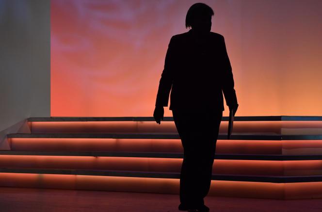 La silhouette d'Angela Merkel, le 16 octobre à Berlin.