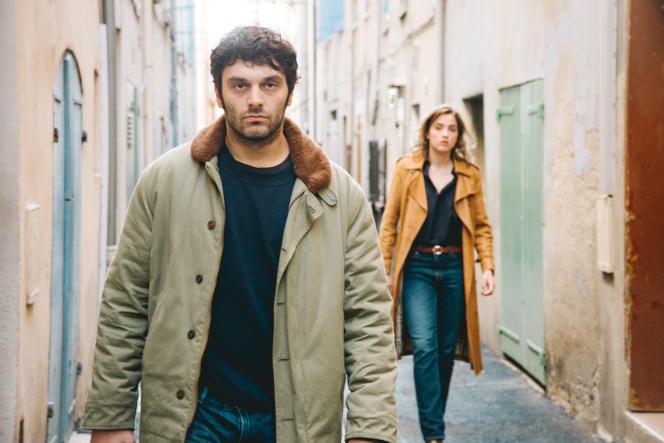 Antoine (Pio Marmaï) et Yvonne (Adèle Haenel) dans «En liberté !», de Pierre Salvadori.