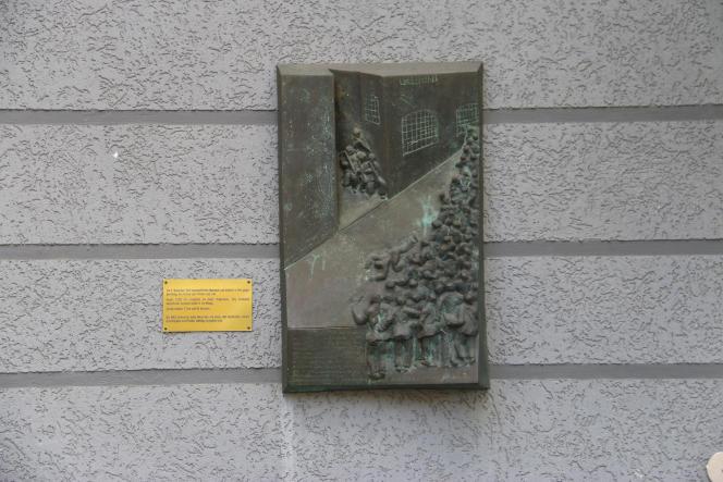Bas-relief rendant hommage aux manifestants tués par l'armée le 3 novembre 1918 à Kiel, dans le Nord de l'Allemagne.
