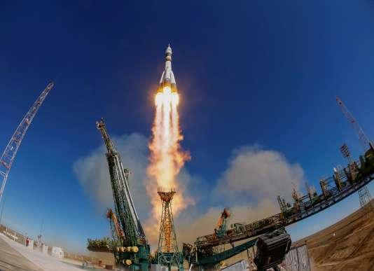 Le lancement de la fusée «Soyouz» défectueuse, le 11octobre à Baïkonour.