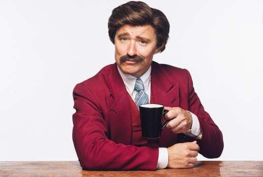 Le journaliste britannique Ben Shephard s'est laissé pousser une moustache à la «Ron Burgundy » (personnage inconique incarné par Will Ferrell dans le film éponyme) dans le cadre de la campagne«Movember». Cette association mobilise l'opinion publique aux cancers masculins