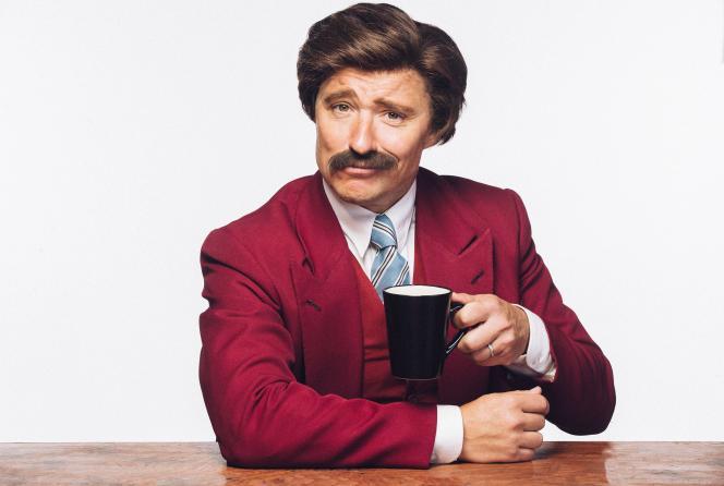 Le journaliste britannique Ben Shephard s'est laissé pousser une moustache à la «Ron Burgundy » dans le cadre de la campagne«Movember».