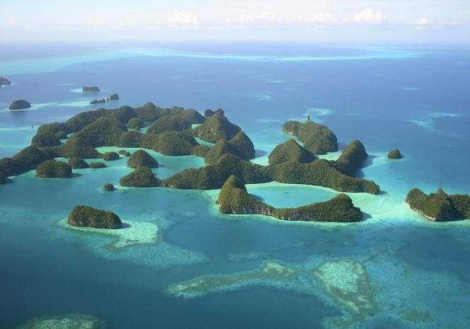 Vue aérienne d'un archipel des Palaos.