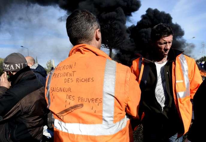 Des salariés d'Ascoval, le 31 octobre à Saint-Saulve (Nord).