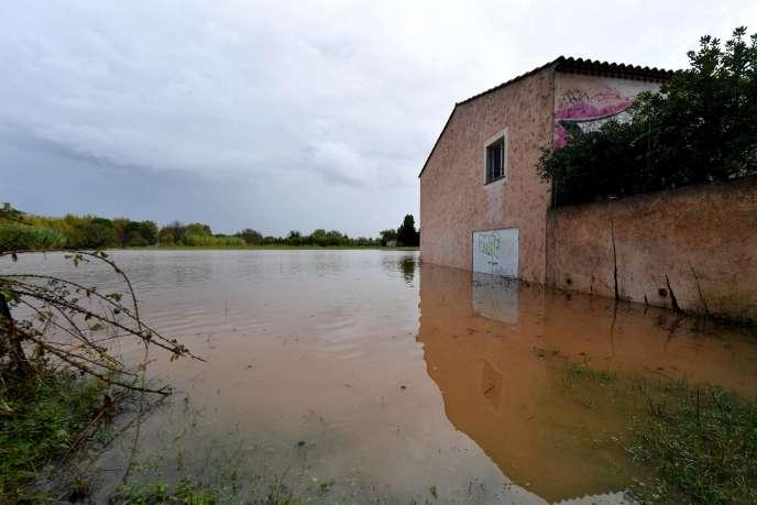 Un bâtiment inondé à Fréjus, le 1er novembre 2018.