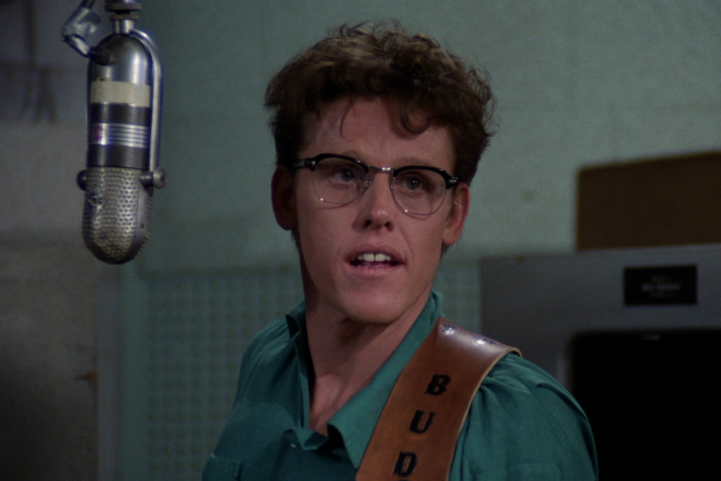 Gary Busey incarne Buddy Holly, dans le film de Steve Rash, « The Buddy Holly Story » (1978) .