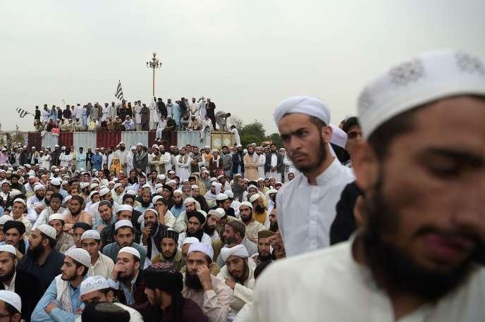Les islamistes ont manifesté par milliers à Islamabad le 2 novembre pour protester contre l'acquittement d'Asia Bibi.