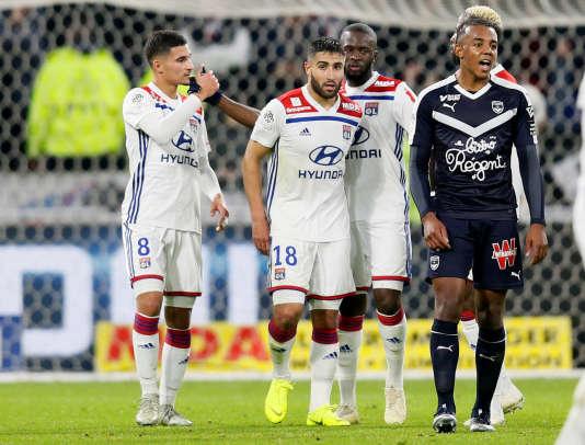 Houssem Aouar (à gauche) célèbre son but face à Bordeaux, le 3 novembre.