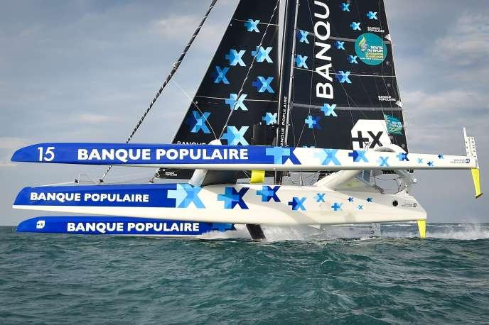 Le maxi-trimaran «Banque-populaire-IX» manœuvré par Armel Le Cléac'h, le 4novembre au large de Saint-Malo.