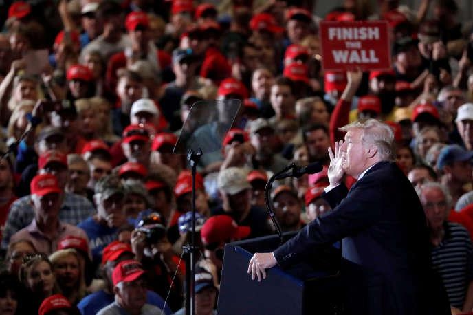 Donald Trump lors d'un meeting à l'aéroport dePensacola (Floride) le 3 novembre.