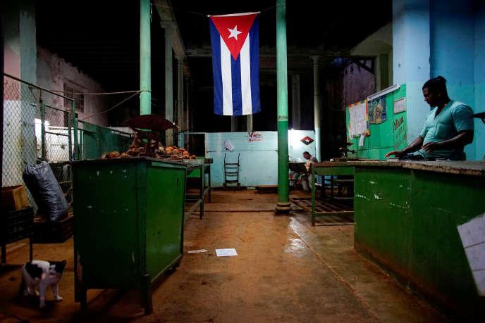 A La Havane, en 2017. Le projet de la nouvelle Constitution a été discuté lors d'un débat populaire, organisé du 13août au 15novembre dans les entreprises, les écoles, les universités et les quartiers.