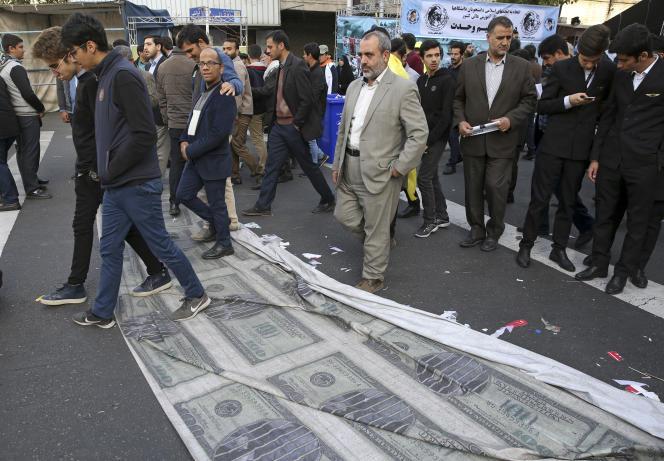 Lors d'une manifestation devant l'ancienne ambassade des Etats-Unis à Téhéran, le 4 novembre.