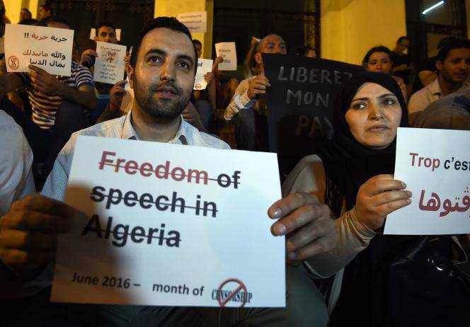Manifestation en faveur de la liberté d'expression, à Alger, en juillet 2016.