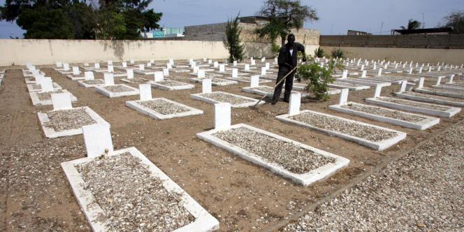 Le cimetière militaire de Thiaroye, dans la banlieue de Dakar, où sont enterrés une partie des tirailleurs sénégalais tués par l'armée française le 1er décembre 1944.