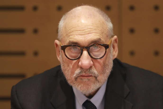 Le Prix Nobel d'économie Joseph Stiglitz a signé l'appel à unpacte international sur l'information et la démocratie.