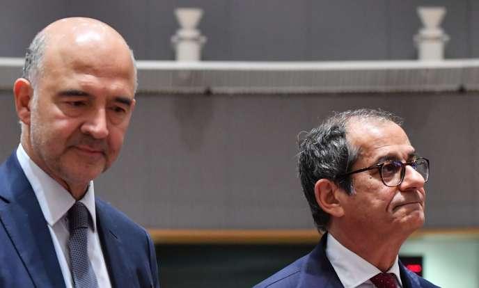 Le commissaire européen aux affaires économiques, Pierre Moscovici, et le ministre des finances italien, Giovanni Tria, lors de l'Eurogroupe, à Bruxelles, le 5 novembre.