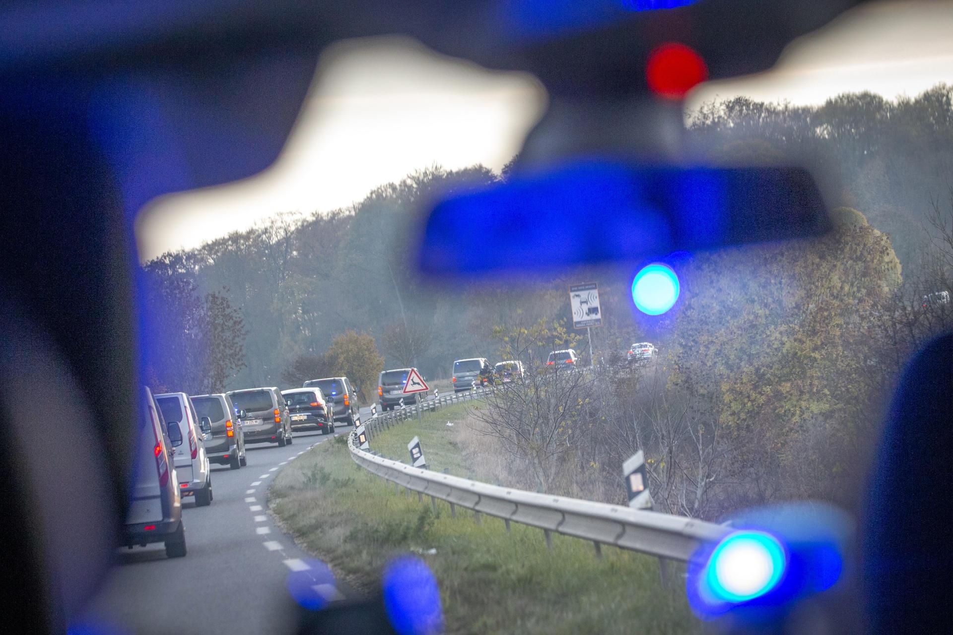 La caravane présidentielle, en route vers Pompey (Meurthe-et-Moselle).