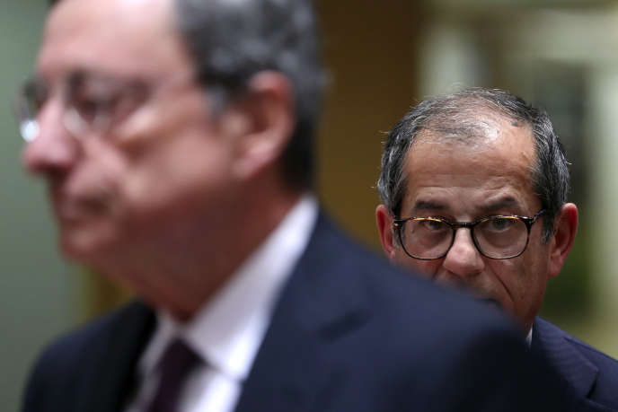 Mario Draghi, président de la Banque centrale européenne, et Giovanni Tria, ministre italien des finances, à Bruxelles, le 5 novembre 2018.