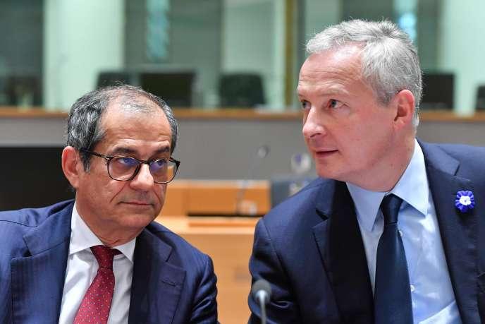 Les ministres de l'économie italien, Giovanni Tria, et français, Bruno Le Maire, à Bruxelles, le 5 novembre.