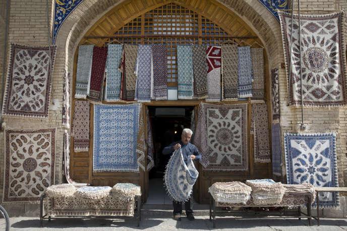 Un magasin à Ispahan (Iran), le 25 octobre.