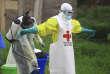 Séance de désinfection au centre de traitement d'Ebola à Beni dans le Nord-Kivu, en septembre.