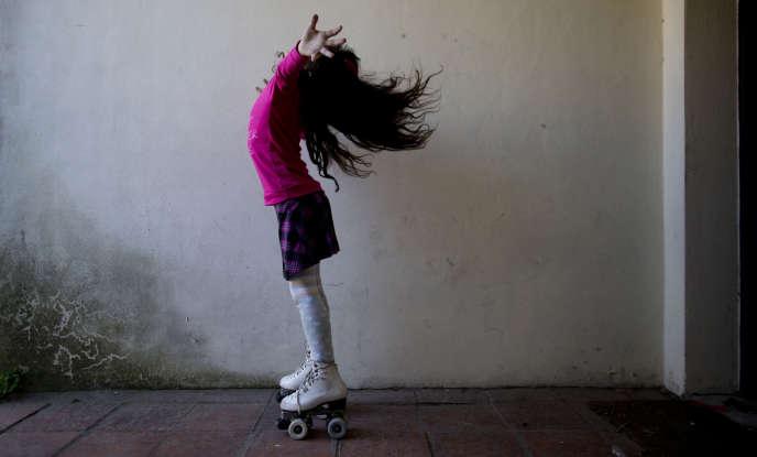 Luana chez elle à Merlo, en Argentine, le 29 septembre 2015. En 2013, elle est devenue la première enfant à avoir bénéficié de la loi de 2012 sur l'identité de genre.
