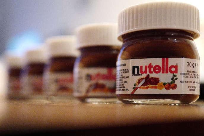 Des mini-pots de Nutella, marque du groupe Ferrero, dans un restaurant allemand, en mars 2016.
