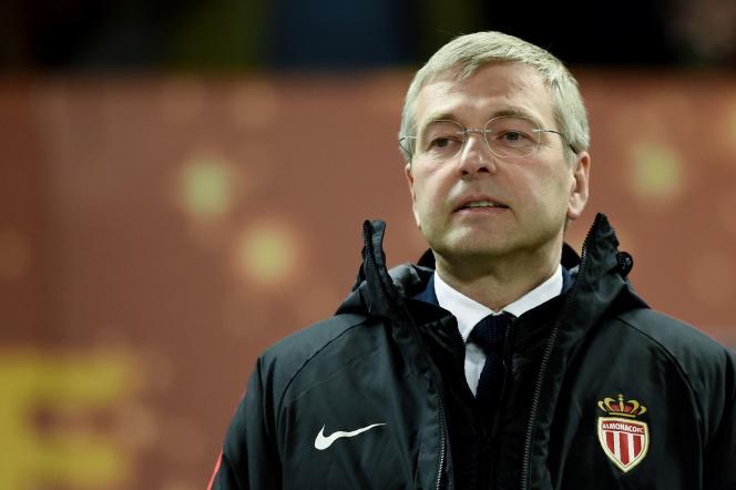 Le président de l'AS Monaco,Dmitri Rybolovlev, lors de la rencontre de son équipe avec le PSG, à Bordeaux, le 31 mars.