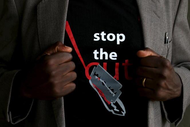 Campagne contre l'excision dans le collège pour jeunes filles d'Imbirikani, au Kenya, en avril 2016.