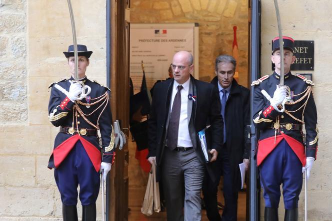 Le ministre de l'éducation nationaleJean-Michel Blanquer, à la sortie du conseil des ministres, à Charleville-Mézières, le 7 novembre.