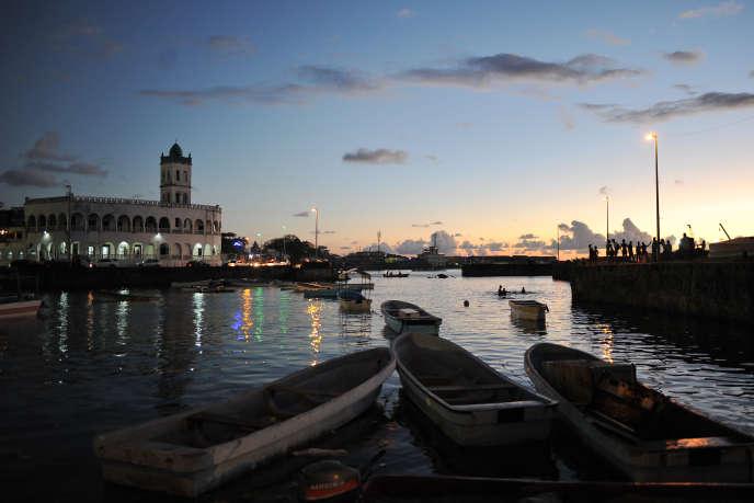 Le port de Moroni, capitale de l'archipel des Comores, en juillet 2018.