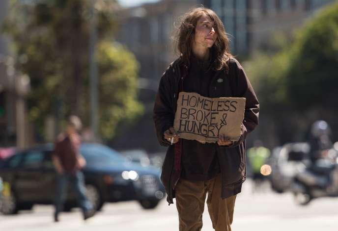 Une personne sans abri dans les rues de San Francisco, en Californie.