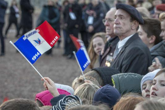 Cinquième jour de la semaine d'itinérance mémorielle de l'Armistice de la guerre 14-18, d'Emmanuel Macron, Président de la république. Cérémonie dans la nécropole nationale de Notre-Dame-de-Lorette. À Ablain-Saint-Nazaire, jeudi 8 novembre 2018.