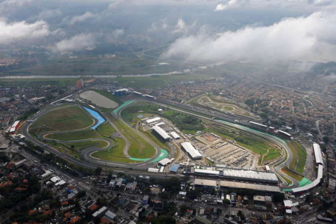 Le circuit d'Interlagos, à Sao Paulo (Brésil), au cœur de l'habitat urbain.