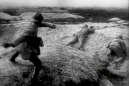 Parmi les milliers d'archives de la première guerre mondiale, les scènes filmées sur les champs de batailles sont extrêmement rares.