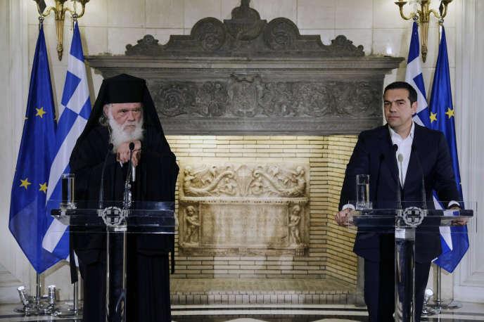 Le chef de l'Eglise grecque, l'archevêque Ieronymos, et le premier ministre Alexis Tsipras à Athènes, le 6 novembre.