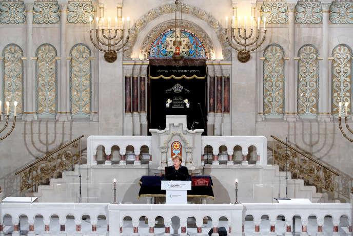 Angela Merkel lors de son discours à la synagogue de Rykestrasse, à Berlin, le 9 novembre.