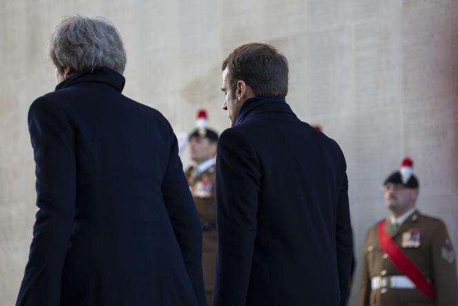 Emmanuel Macron et Theresa May, à Thiepval.