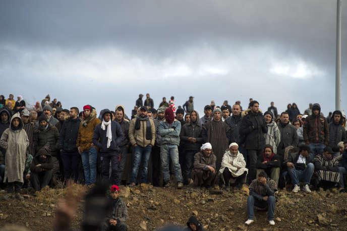 Des habitants de Jerada, au Maroc, manifestent pour demander une alternative économique aux mines clandestines, le 16mars 2018.