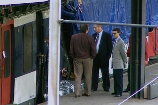 Le 25 juillet 1995, une bombe explose dans une rame duRER B à la station Saint-Michel.