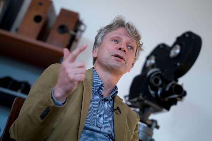 NikolausWostry, directeur général des Archives du film autrichien, au siège des Archives à Laxenbourg (Autriche) en novembre 2016.