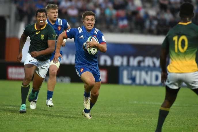 Le Français Louis Carbonel face à l'Afrique du Sud, le 7 juin à Narbonne, durant le championnat du monde des moins de 20 ans.