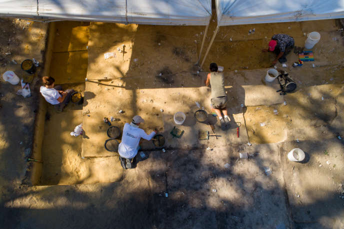 Les fouilles menées par l'Inrap,entre la gare d'Angoulême et une boucle de la Charente, sur l'«îlot Renaudin», le 2 août.
