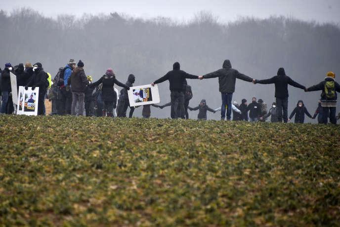 Des militants antinucléaires opposés au projet Cigéo, le 3 mars 2018.